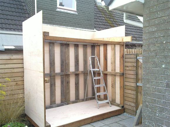 New shed project: The shed structure takes shape