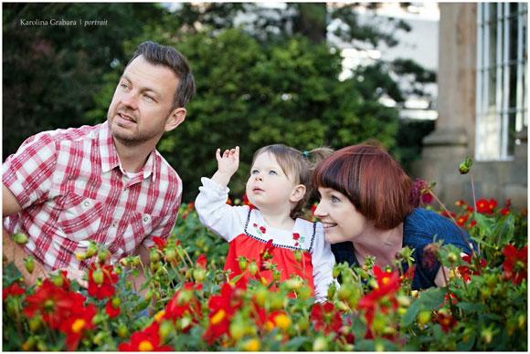 Jill, Michael and Lulu relaxing in the Royal Botanic Gardens Edinburgh