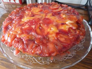 Upside down plum cake - very pretty!