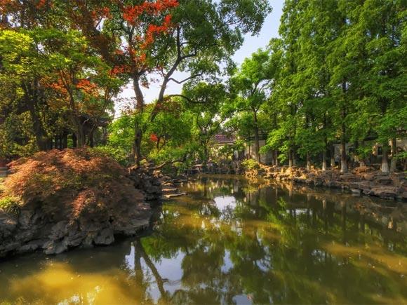 The Yuyuan Garden in China