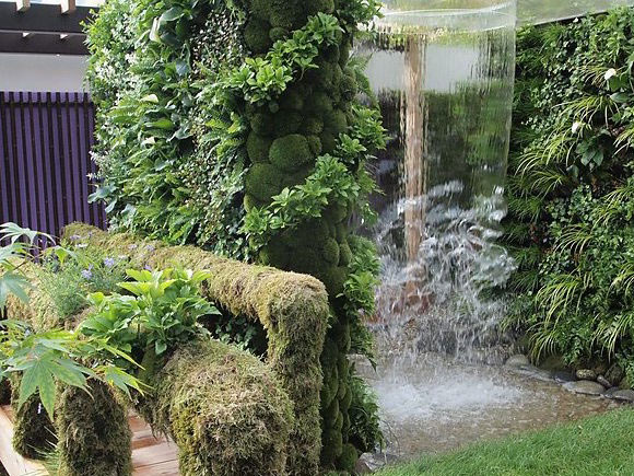 Water feature at Chelsea Flower Show
