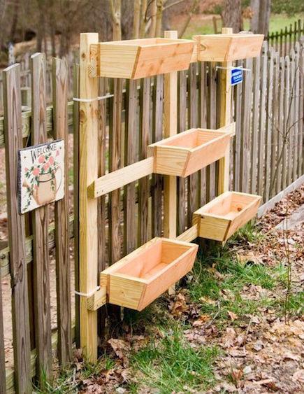 Modular pallet vertical garden