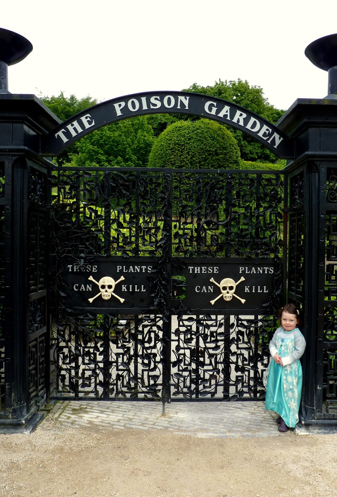 Yikes, the Poison Garden! Be careful, the Wicked Queen will be around here somewhere!
