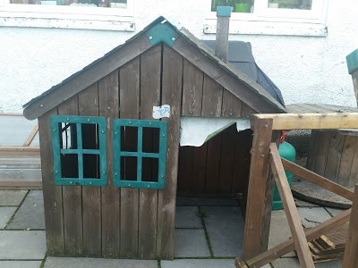 Before: the playhouse needed a bit of Lulufication (yes, that IS a word!)