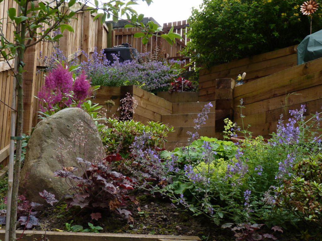 A Contemporary Terraced Garden - Vialii Garden Design