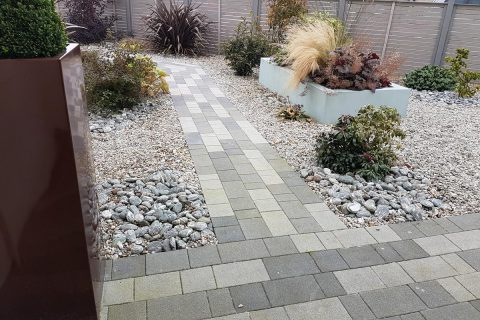 The planked paving gives a contemporary feel