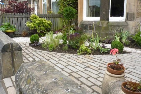 A welcoming front garden in Stirling
