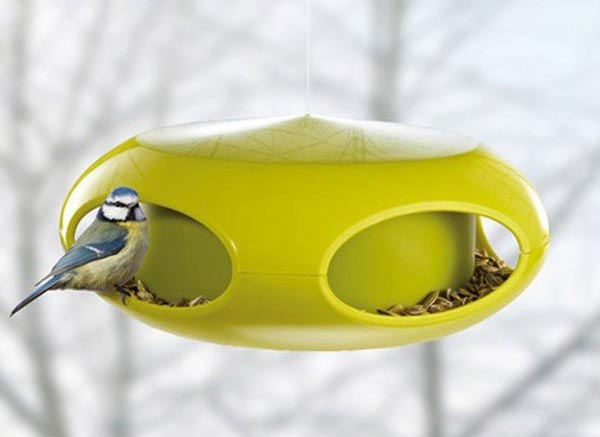 A stylish way to feed birds in your garden