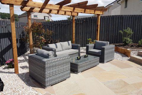 The lounging patio & pergola