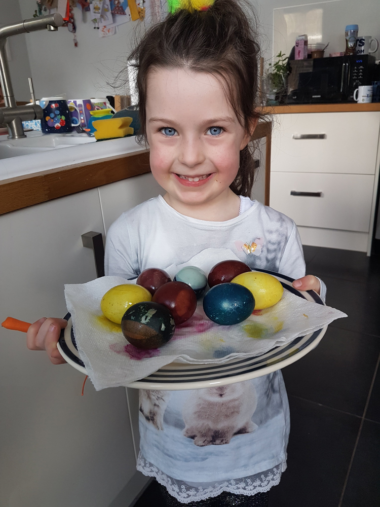 Dye your easter eggs naturally