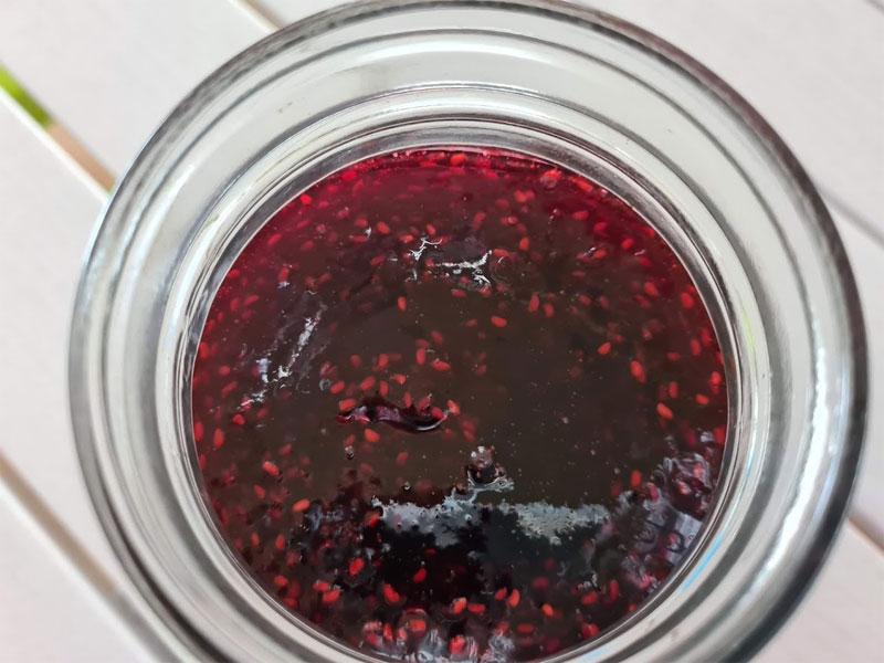 Non pectin raspberry jam - perfectly set!